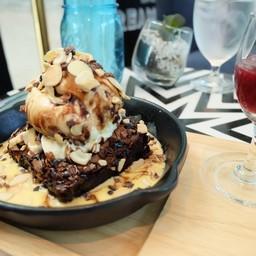 Cream cafe' โรงแรม เอวัน พัทยา