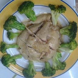 ไก่บ้านอบเกลือ เมนูนี้ไก่บ้านแท้ ๆ อร่อยอยากให้ลองที่สวนอาหารกวางตุ้งแม่สอด
