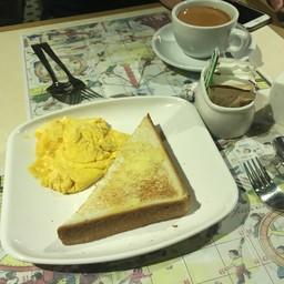 Set อาหารเช้าค่ะ มีจานหลักด้วยอีกจาน ลืมถ่ายค่ะ