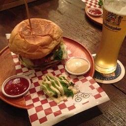 Jim's Burger เสนานิคม