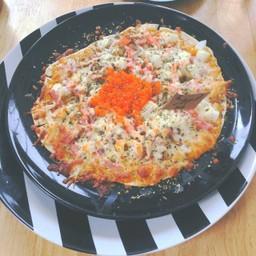 พิชซ่าเบคอนปูอัดไข่กุ้ง