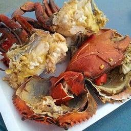 ตลาดนัดอาหารทะเล ท่าเรือพลี