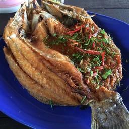 ราดน้ำปลา+ราดพริกแกง