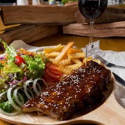 Grilled pork ribs with Hillsborough Sauce