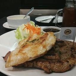 หมูคุโรบูตะ+อกไก่+ซอสแจ่ว