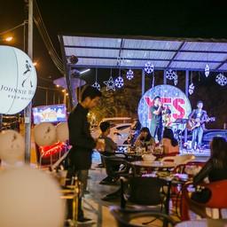 Yes Sky Moon Bar&bistro