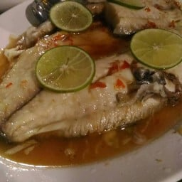 Steamed Tilapia With Lemon