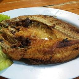 ปลากระพงทอดน้ำปลา อร่อยสด