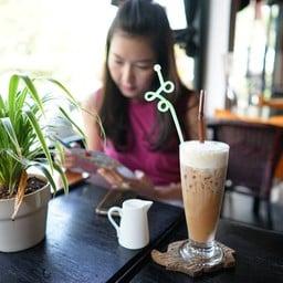 CoCo Cafe & Bar @ Koh Mak