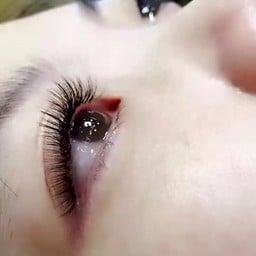 ต่อขนตา
