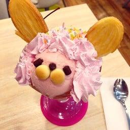 Maidreamin Cafe & Restaurant Akihabara