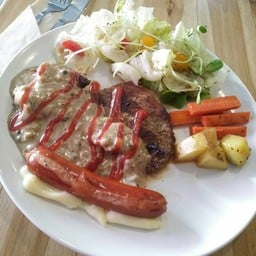 Norn Nung Len Cafe'&Hostel (นอนนั่งเล่น)