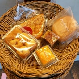 PonMaree Bakery สาขาอนุสาวรีย์ชัยสมรภูมิ อนุสาวรีย์ชัยสมรภูมิ (ฝั่งพหลโยธิน)