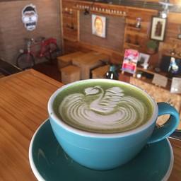 Greentea latte .