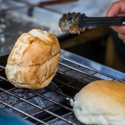ขนมปังปิ้งไส้สังขยาใบเตย(ทำเอง)