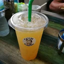 น้ำส้มคั้นสดๆ