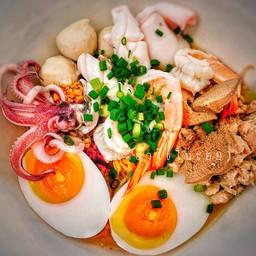 เตี๋ยวไข่ ในซอย ยะลา