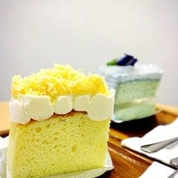osaka cheesecake with cheddar cheese