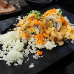 Crunchy volcano roll