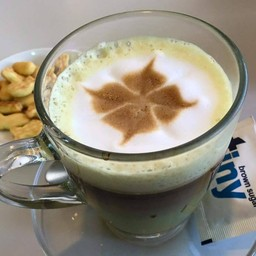 Tiny Coffee ปั๊มเชลล์ ศูนย์ฮอนด้า เจ้าฟ้าตะวันตก