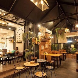 The green house cafe'&bistro