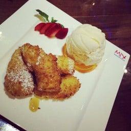 Mix Restaurant & Bar เดอะ ช็อปปส์ แกรนด์ พระราม9