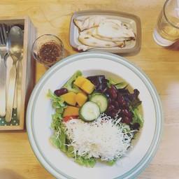 Salad N' Grilled Mushroom