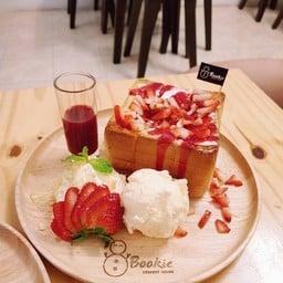 Bookie Dessert House Ratchaburi