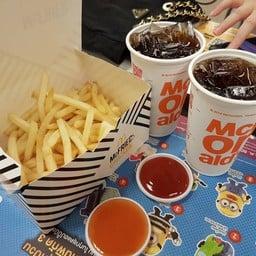 McDonald's โลตัสประชาชื่น