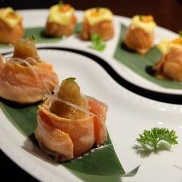 Broiled Fatty Salmon Sushi