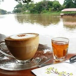 กาแฟท่าเรือวัดชัยมงคล