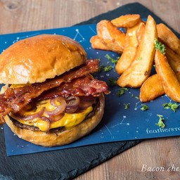 Cheese Burger with Caramelized  Onion & Bacon