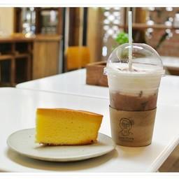 Laan-Tim's Cafe'&Gallery