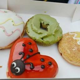Krispy Kream Ikspiari  Tokyo disney resort