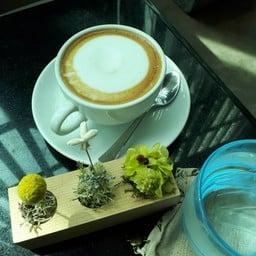 Kanna Café By The Fields