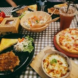 Let's eat  (เลทอีท) บ้านโป่ง ราชบุรี