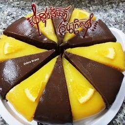 เค้กส้ม + เค้กช็อกโกแลต