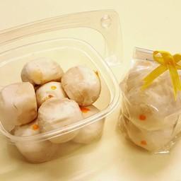 ขนมเปี๊ยะไส้ถ่วไข่เค็ม (6 ชิ้น)
