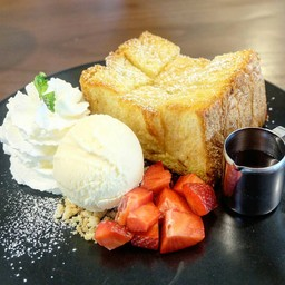 4 KUPS  Like-Home Cafe