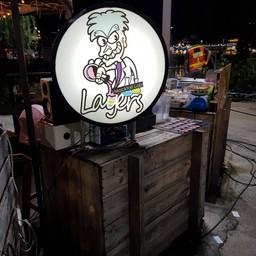 หน้าร้าน Layers Mocktail Lab ตลาดหัวมุม