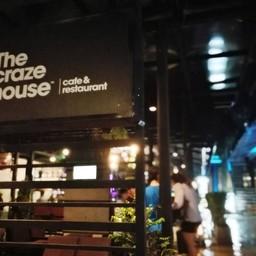 หน้าร้าน The Craze House