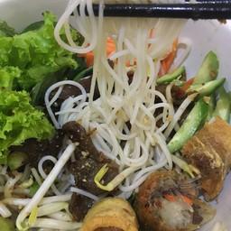 เมนูของร้าน Vietnamese And More Thaniya