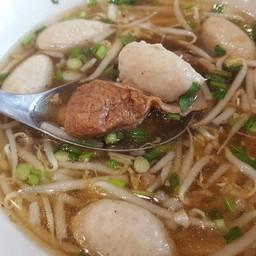 เมนูของร้าน มะเก่า ข้าว เตี๋ยว เปรี้ยวปาก The Rest Area Prachachuen