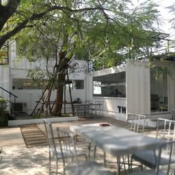 บรรยากาศ TREEBOX Cafe & Restaurant THE BLOC ราชพฤกษ์
