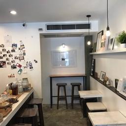 บรรยากาศ Ansel & Elliott • Analog Cafe