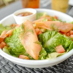 Spicy Smoked Salmon Salad (295THB)