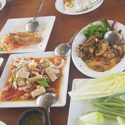 แลโขง Restaurant เขมราฐ