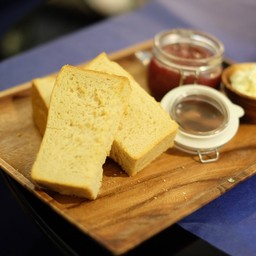 Melba Bread Toast w/ Strawberry Jam
