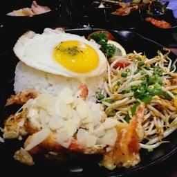 Pan-fried Rice With Prawns