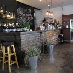 Addicted Cafe & Carwash